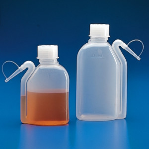 Globe Scientific Wash Bottles with Integrated Spout